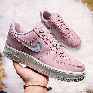 New Women's Nike Air Force 1 '07 Seasonal Sneakers
